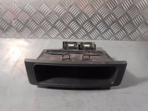 Mercedes W203 C Klasse Ablagefach Halter Audiokühlung A2036802714