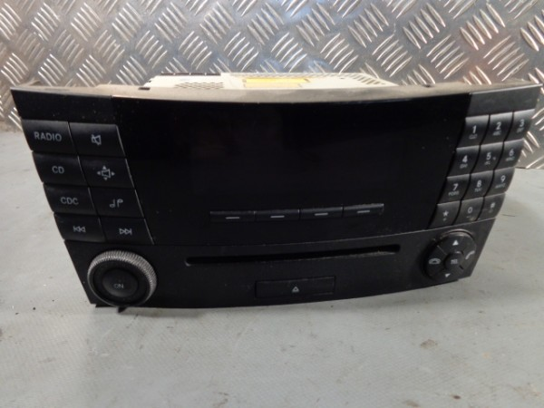 Mercedes-Benz W211 E KLASSE RADIO CD AUTORADIO MF2310 A2118701189