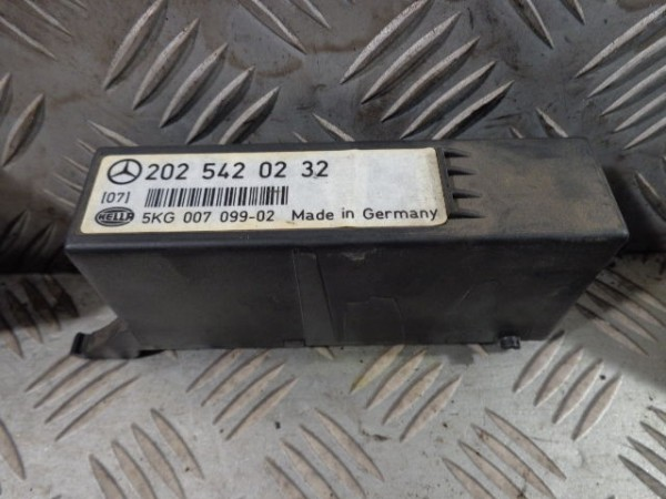 MERCEDES BENZ W202 C-KLASSE LICHT RELAIS 2025420232 C-CLASS RELAY LIGHT